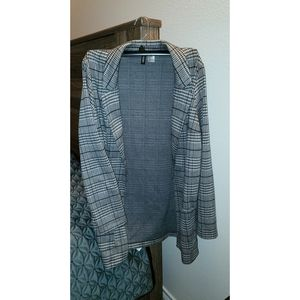 A nice patterned Cardigan